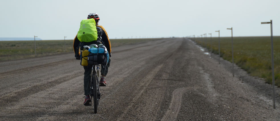 next-to-the-dalton-highway-with-bicycle