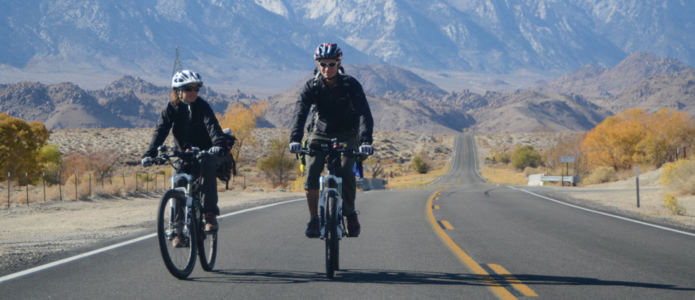 highway-to-death-valley-on-bicycle